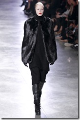 Rick Owens RTW Fall 2011 Runway Photos 11