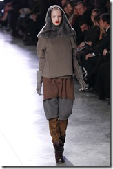 Rick Owens RTW Fall 2011 Runway Photos 16
