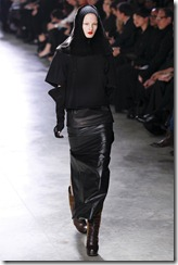 Rick Owens RTW Fall 2011 Runway Photos 39