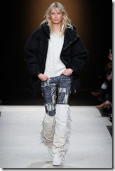 Isabel Marant Ready-To-Wear Fall 2011 Runway Photos 15