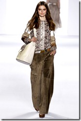 Chloé Ready-To-Wear Fall 2011 Runway Photos 11