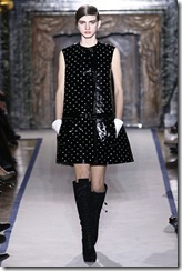 Yves Saint Laurent Ready-To-Wear Fall 2011 Runway Photos 23