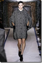 Yves Saint Laurent Ready-To-Wear Fall 2011 Runway Photos 5