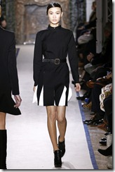 Yves Saint Laurent Ready-To-Wear Fall 2011 Runway Photos 10