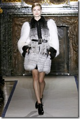 Yves Saint Laurent Ready-To-Wear Fall 2011 Runway Photos 13