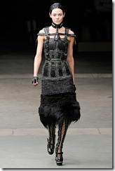 Alexander McQueen RTW Fall 2011 Runway Photos 10