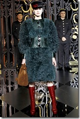Louis Vuitton Ready-To-Wear Fall 2011 27