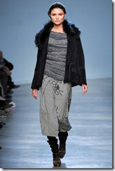 Vanessa Bruno Ready-To-Wear Fall 2011 Runway Photo 29
