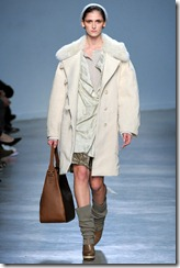 Vanessa Bruno Ready-To-Wear Fall 2011 Runway Photo 23