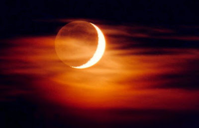 http://lh4.ggpht.com/_090XDpblCmw/S6v3EVbH9qI/AAAAAAAACUg/WbAQgh-X3Ck/s400/sol-e-lua.jpg