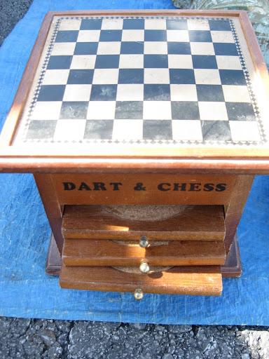 posavasos, ajedrez y dardos