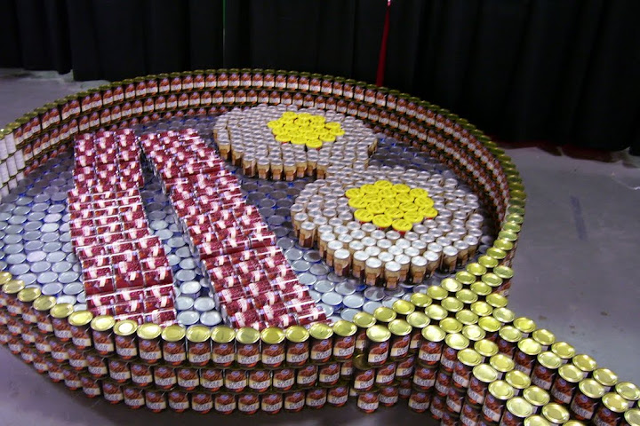 Eggs & bacon made of food cans