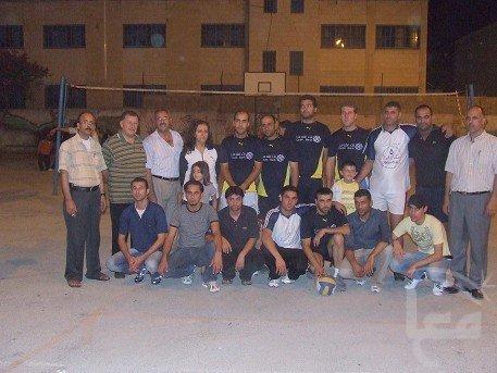 صور فريق كرة الطائرة المشارك في الدوري 7234_128860414397_731819397_2487930_621032_n