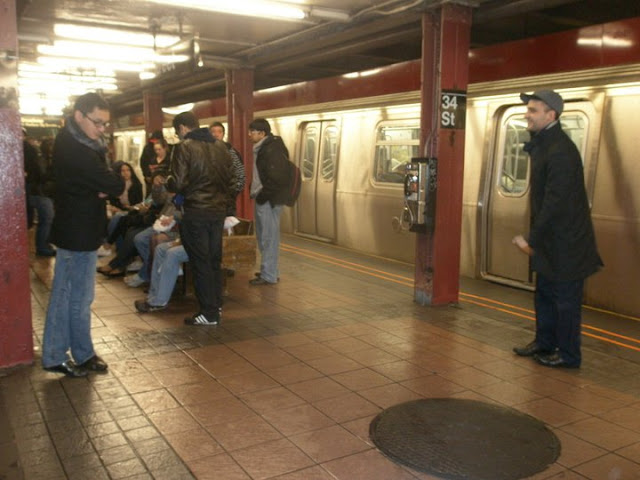 Калинка-малинка в метро