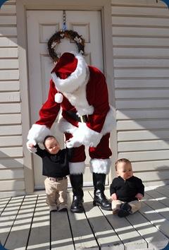 Santa - L standing, H sitting