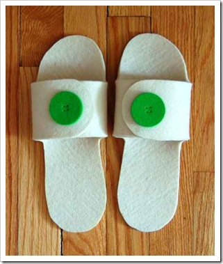 felt-slippers-2-425