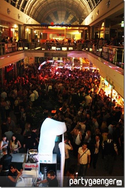 muenchen-tanzt-bayerns-groesste-party-olympia-i-olympia-einkaufszentrum