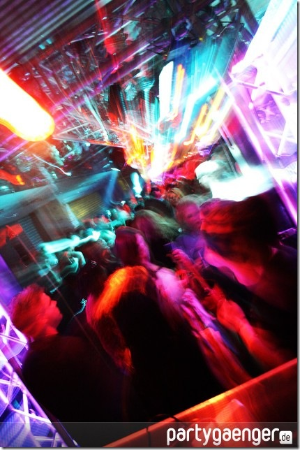muenchen-tanzt-bayerns-groesste-party-olympia-im-olympia-einkaufszetrum