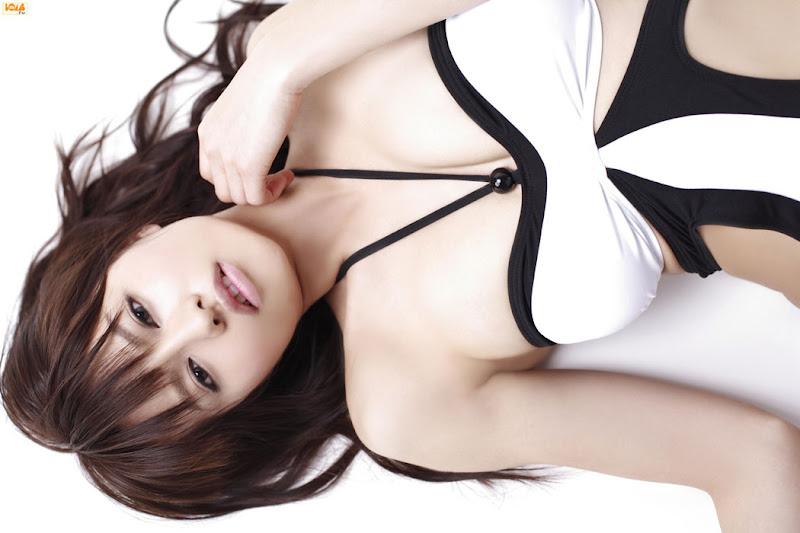 Yuriko Shiratori, 白鳥百合子