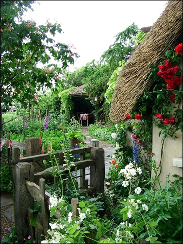 old-english-cottage-garden