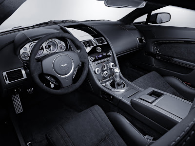 Aston Martin V12 Vantage 2010 - 4