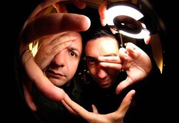 Amon-Rá e Julio Torres formam o Crossover (Crédito: Divulgação)