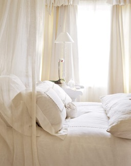 Country Living Bedroom-white-linens