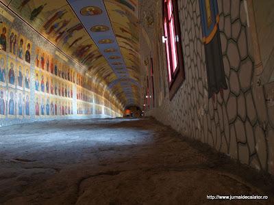 Interiorul tunelului