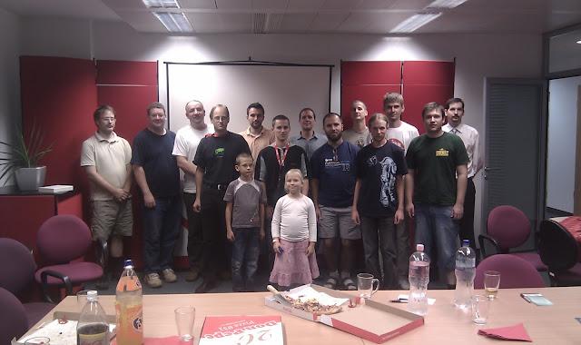 csoportkép az openSUSE összejövetelről