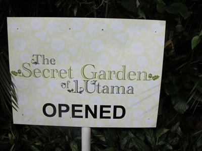 Secret Garden sign