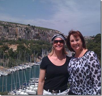 Laurie & Karen, Cassis