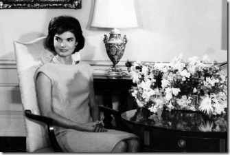 jackie kennedy shift pearls
