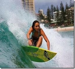 Hot-Surfer-Chicks-24