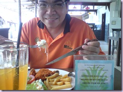 makan chicken chop