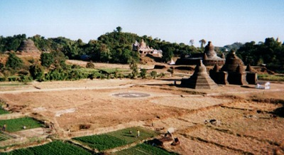 myanmar_mrauk_u_view_across_plain