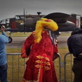 airplanes by Lavonne Ripley - People Street & Candids