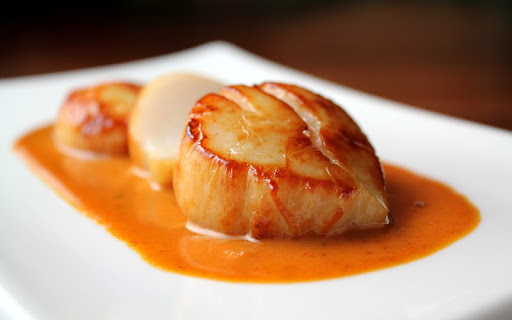 Mano de Leon Sea Scallops with Red Curry Sauce