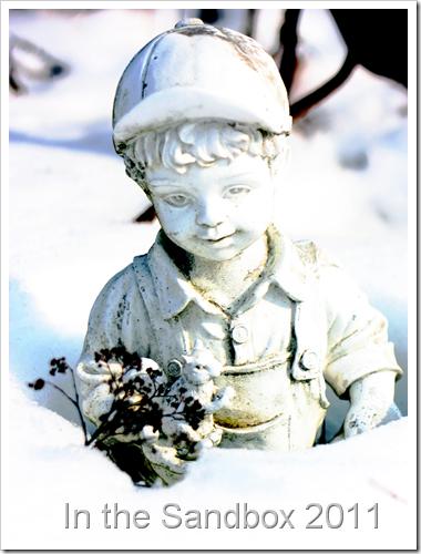 Little-boy-sculpture-in-sno