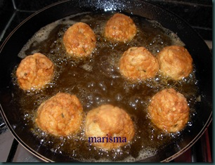 albóndigas de pollo, friendo (3)