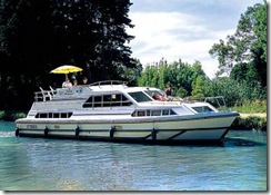 Boating Holidays Thames - Choice of Boats and Sizes