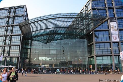 Hauptbahnhof Station