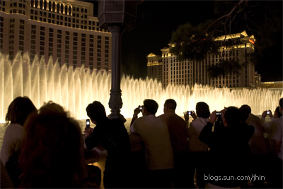fountains of bellagio cec2007 las vegas