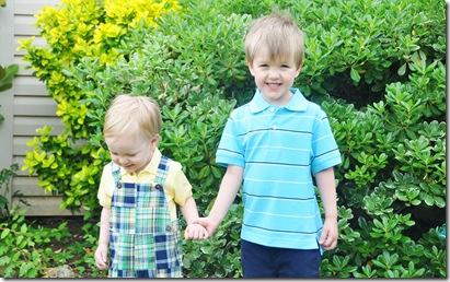 easter 2010 boys in grandmas yard2