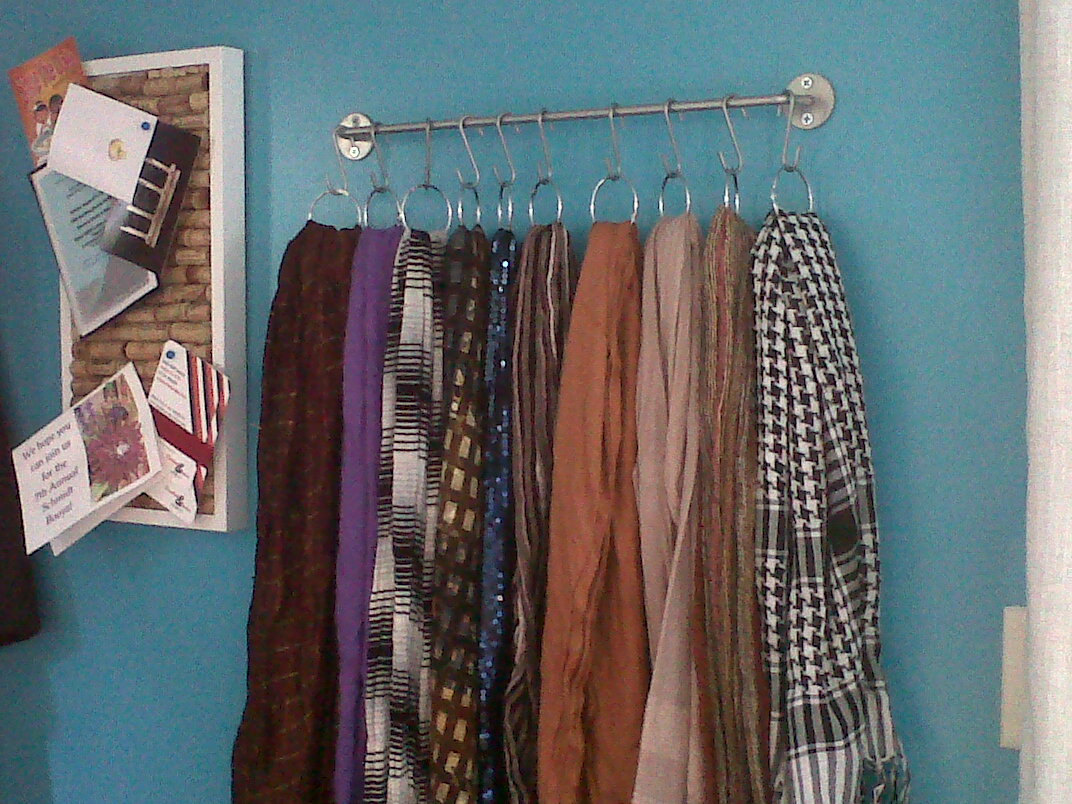 The mis adventures of a sfh simple and inexpensive for Scarves hanger ikea