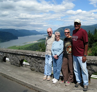 Bill, Bev, Laurie, Odel posing at Vista House at Crown Point in the Columbia River gorge.