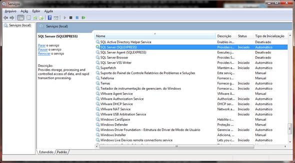 """Gerenciador de Serviços do Windows, com o serviço """"SQL Server (SQLEXPRESS)"""" selecionado."""