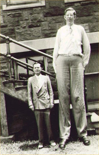 Robert Wadlow - Tallest man in history
