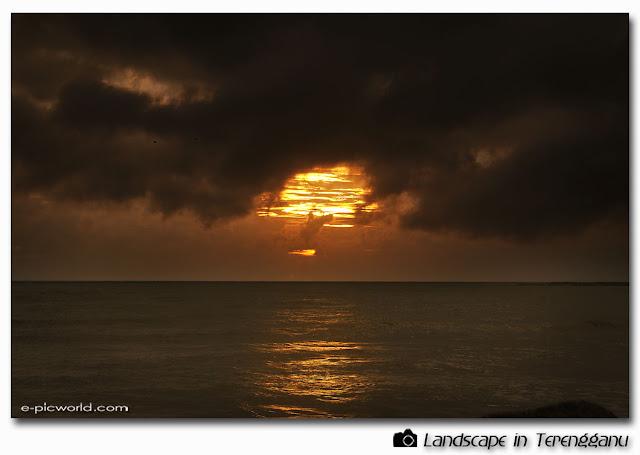pantai teluk ketapang seascape picture