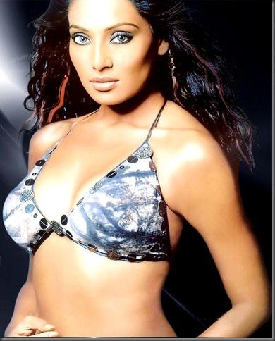 bipasha basu sexy bollywood actress pictures 230310