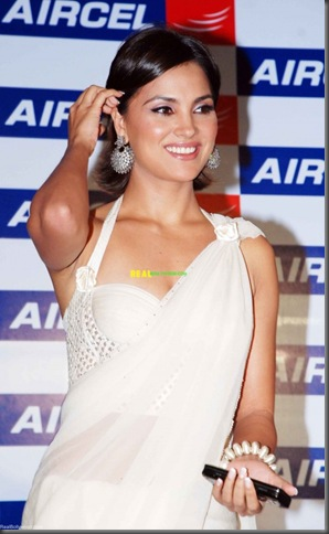 Lara_Dutta_in_Saree